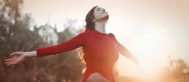 adem-vrouw-herfst-zon